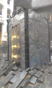 Oded Hirsch's Lift at Liverpoo Biennial 2012 from the front  in the rain