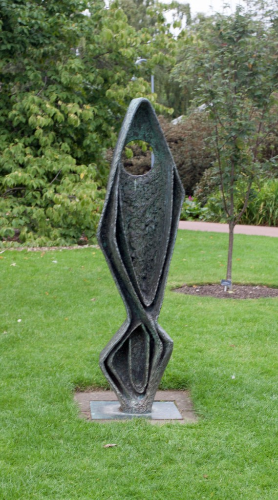 Ascendint Form (Gloria) -      Dame Barbara Hepworth 1958. Photographed at Royal Botanic Garden Edinburgh 2015
