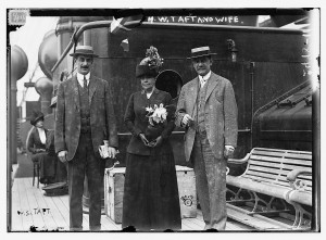 Henry Waters Taft (right) with his wife Julia Walbridge Smith (centre) and their son Walbridge Smith Taft (left) sometime between 1910 and 1915